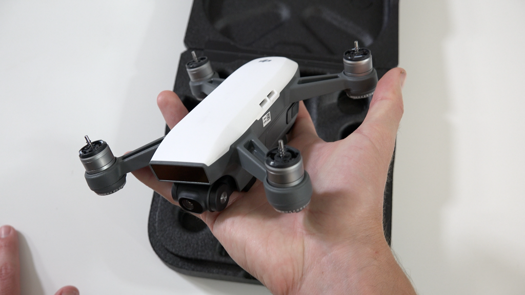 https://store-guides.djicdn.com/guides/wp-content/uploads/2017/05/DJI-Spark-size-1-1024x576.png
