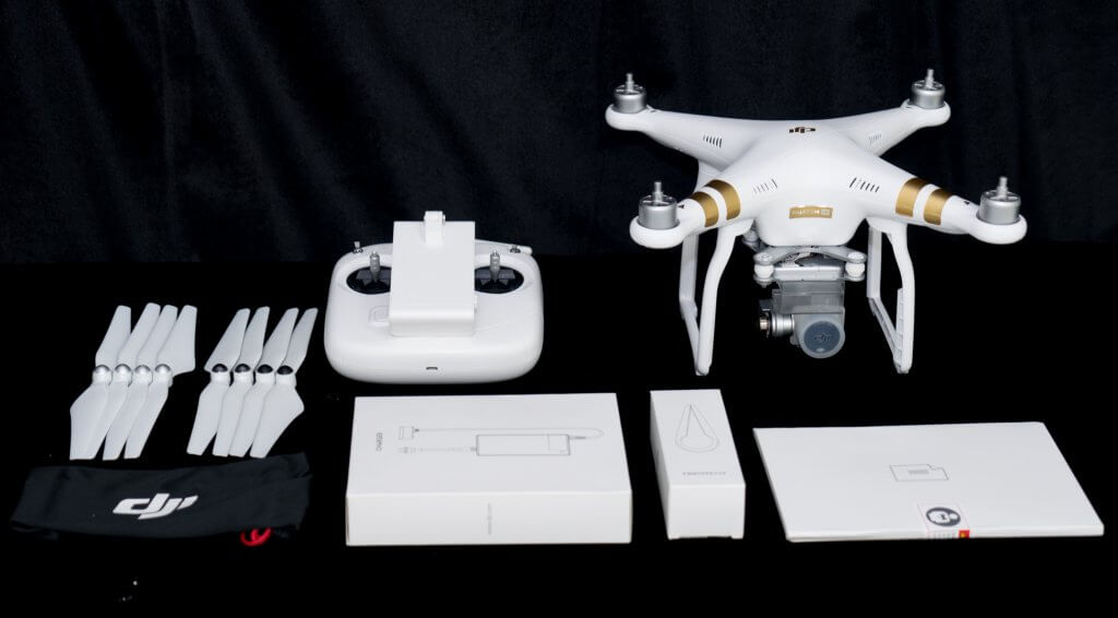 The contents of the Phantom 3 SE Unboxing